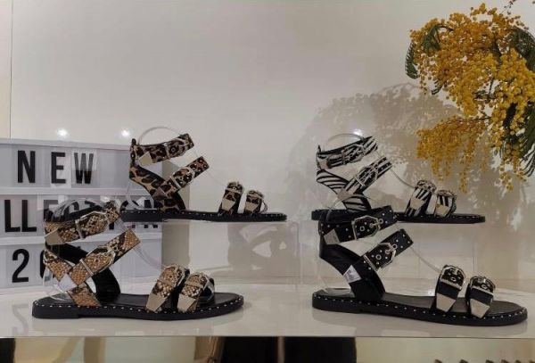 LEOPARD DETAIL GIVEN GESPS SANDALS MUSTHAVE 2019